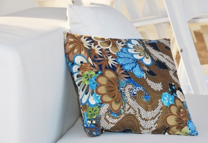 Paisley cushion on couch at Miami wedding ceremony